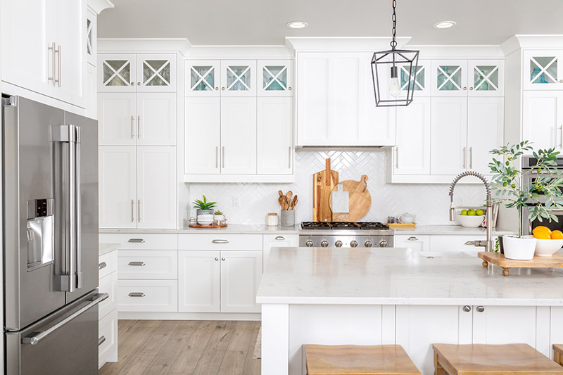 3 Reasons To Paint Your Kitchen Cabinets White